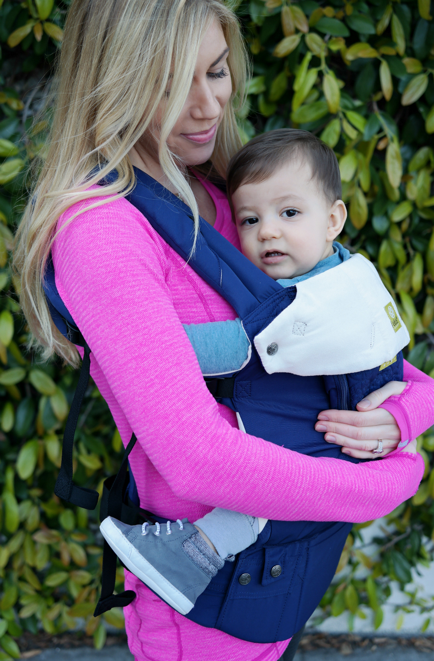 lillebaby embossed carrier, baby wearing, baby carrier